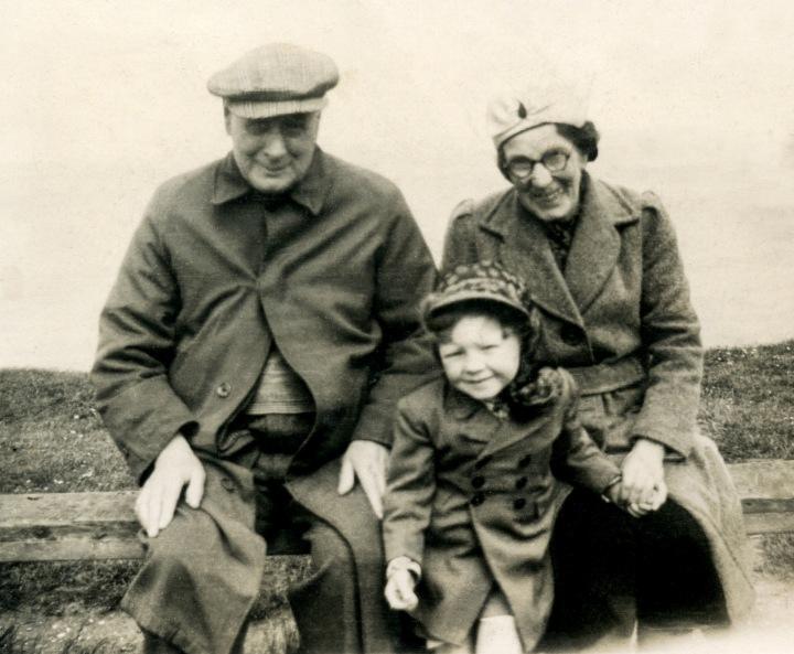 Albert & Kate Beanland With Child