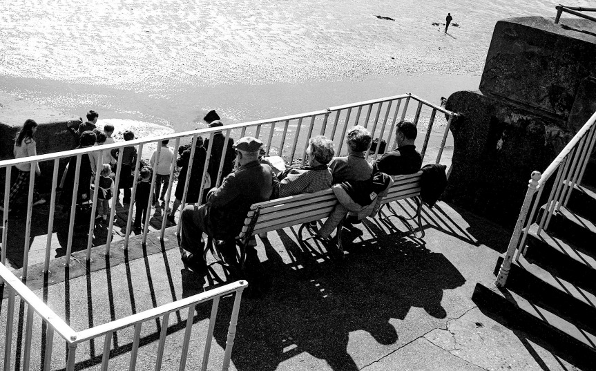 10 From The Seaside 3 : Watching The Tide GoOut